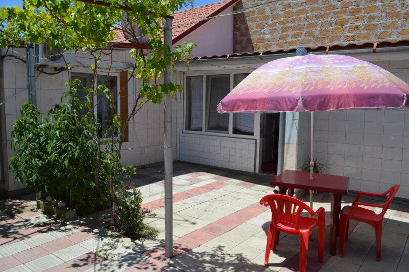 """Гостевой дом """"У Нелли"""", Курская улица, 46 на 8 комнат - Фотография 12"""