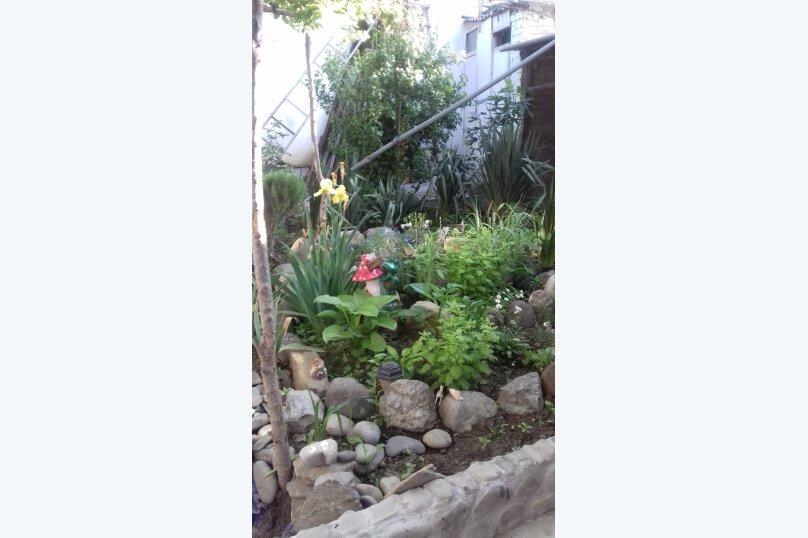 Гостевой дом у Ирины, Номан Чилиби Джихан, 1 на 3 комнаты - Фотография 2