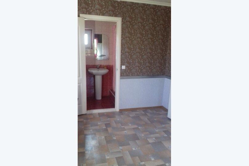 Гостевой дом у Ирины, Номан Чилиби Джихан, 1 на 3 комнаты - Фотография 17