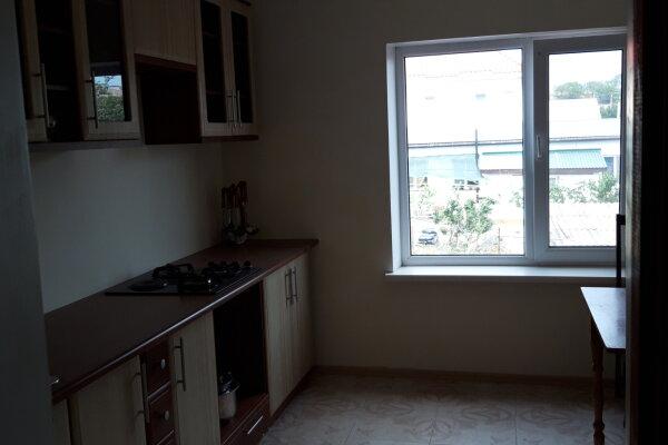 Второй этаж дома с отдельным входом, 100 кв.м. на 8 человек, 3 спальни, Матвиенко, 37, Солнечная Долина - Фотография 1