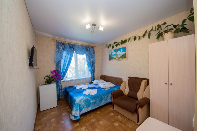 3х-местный стандарт 11, улица Ивана Голубца, 37, Анапа - Фотография 1