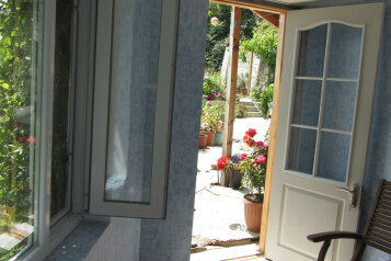 Домик для парочки в арт-усадьбе, 9 кв.м. на 2 человека, 1 спальня, Солнечная улица, 13, Алупка - Фотография 2