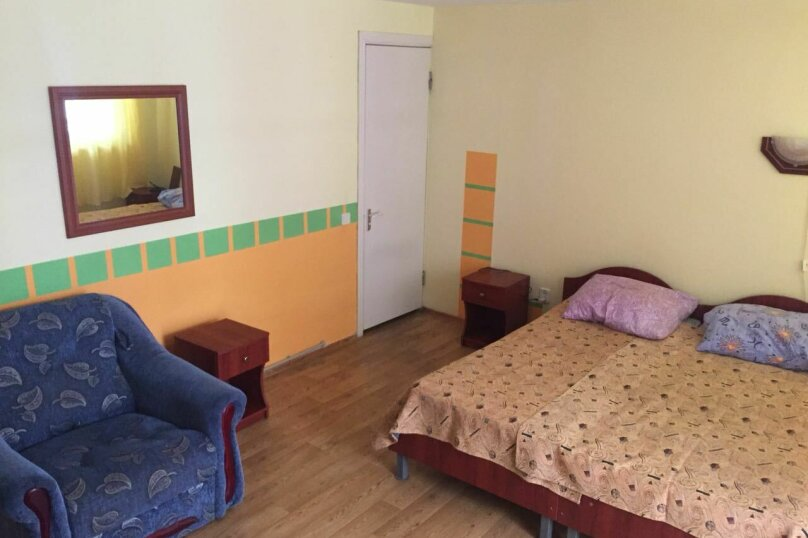 """Гостевой дом """"Солнечный"""", Морская, 4 сектор 10 на 8 комнат - Фотография 12"""