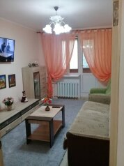 2-комн. квартира, 52 кв.м. на 6 человек, проспект Ленина, Евпатория - Фотография 1