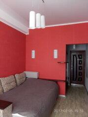 1-комн. квартира, 18 кв.м. на 3 человека, улица Адмирала Фадеева, 48, Севастополь - Фотография 1