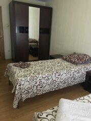2-комн. квартира, 56 кв.м. на 4 человека, улица Лазарева, 68, Лазаревское - Фотография 1