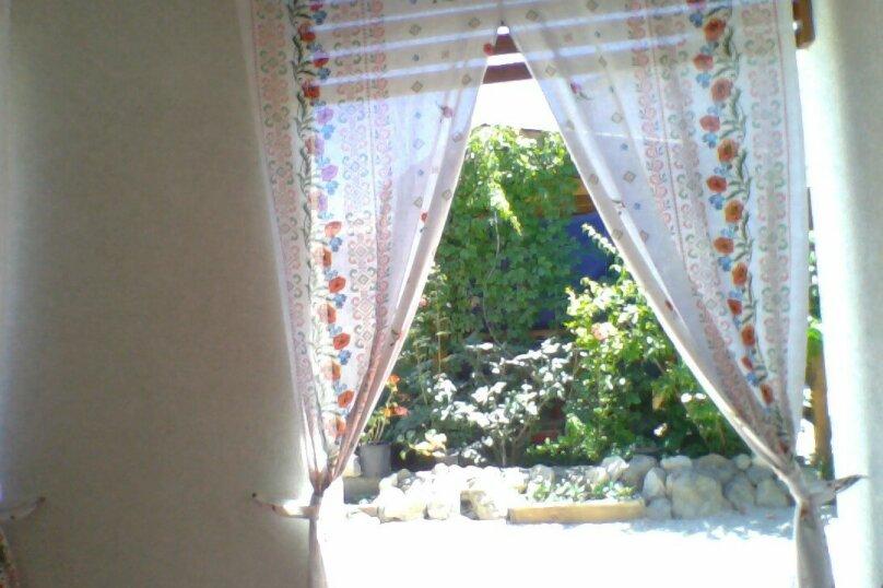 Частный дом 2x комнатный, 45 кв.м. на 4 человека, 2 спальни, Сурожская улица, 13, Судак - Фотография 16