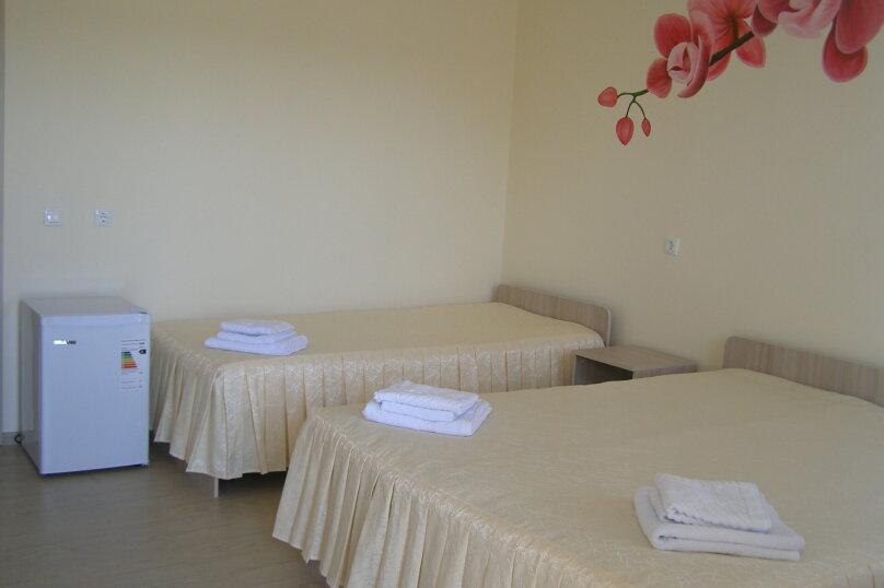 Четырехместный Семейный люкс с видом на бассейн №23, Школьная, 64, Ильич - Фотография 6