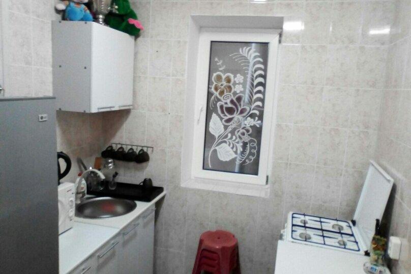 """Гостевой дом """"Веста"""", Азовская улица, 11 на 4 комнаты - Фотография 12"""
