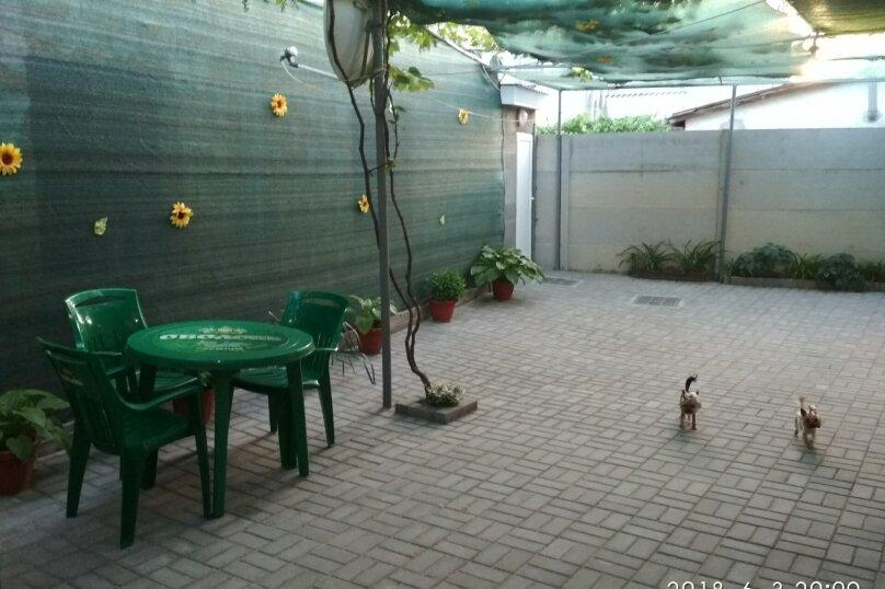 Дом под ключ, 100 кв.м. на 10 человек, 4 спальни, улица Нахимова, 100, Феодосия - Фотография 1