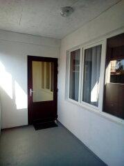 Дом, 50 кв.м. на 7 человек, 2 спальни, ул.Ювес, 2, Судак - Фотография 1
