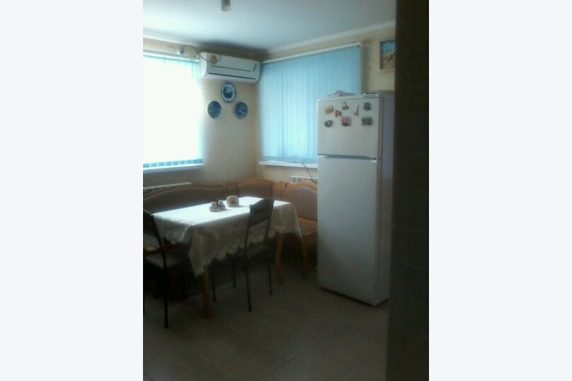 Дом, 50 кв.м. на 5 человек, 2 спальни, улица Гоголя, 179, Ейск - Фотография 2