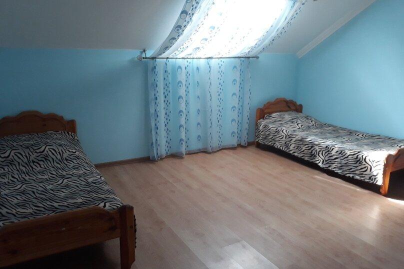 Второй этаж дома с отдельным входом, 100 кв.м. на 8 человек, 3 спальни, Матвиенко, 37, Солнечная Долина - Фотография 4