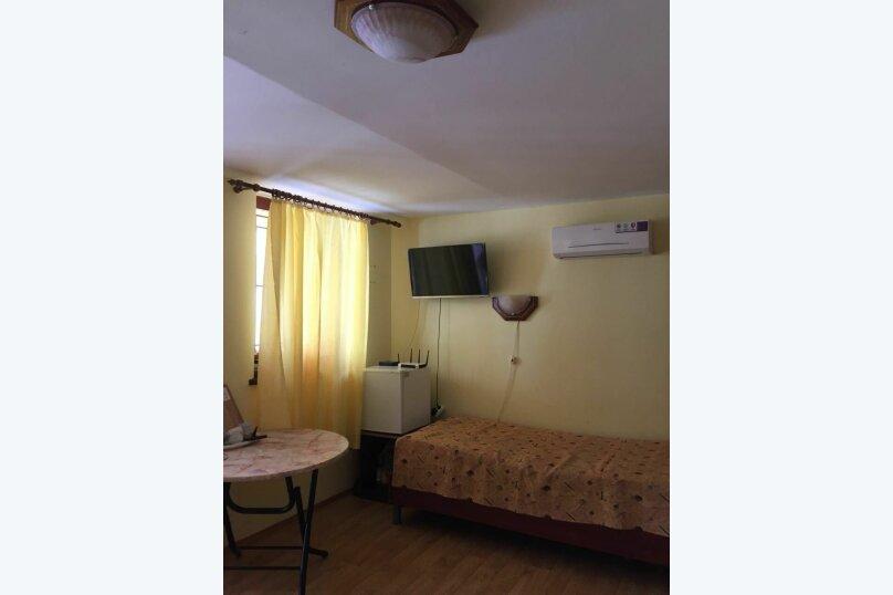 4ех местный номер с ванной комнатой, Морская, 4 сектор 10,дом 17, Саки - Фотография 1