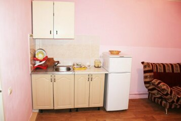 Дом, 40 кв.м. на 5 человек, 2 спальни, улица Кустодиева, Геленджик - Фотография 2