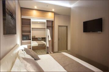 Апартаменты 2:  Квартира, 6-местный (4 основных + 2 доп), 2-комнатный, Гостиница, улица Чкалова, 97 на 4 номера - Фотография 4