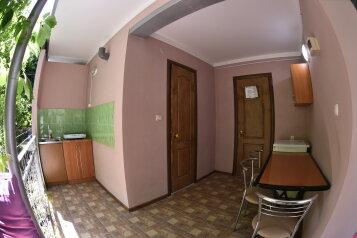 Гостевой дом Морское  № 2  Коттедж - 1 комнатный на 3 человека с  удобствами и личной кухней и беседкой  ., ул. Озен-бою на 3 номера - Фотография 1