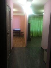 1-комн. квартира, 31 кв.м. на 4 человека, проспект Большевиков, 17, Санкт-Петербург - Фотография 2