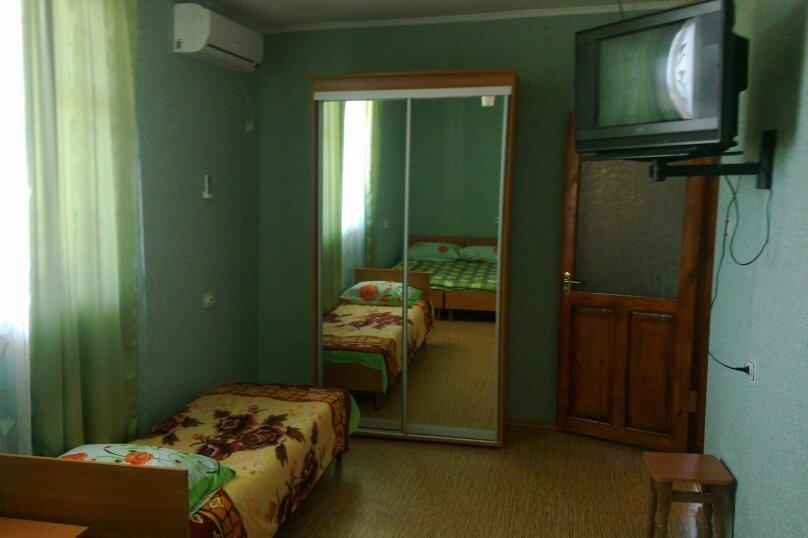 Отдельная комната, улица Юнус Кандым, 1, Судак - Фотография 1