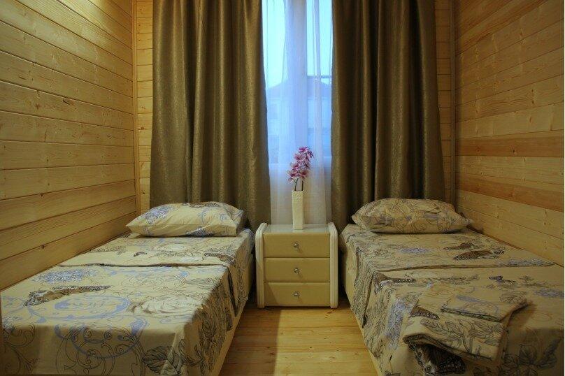 Домик люкс 4-х местный, переулок Самбурова, 14, Благовещенская - Фотография 1