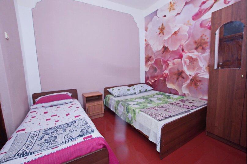 """Гостевой дом """"На Сухумском шоссе"""", Сухумское шоссе, 3-тий тупик на 6 комнат - Фотография 29"""