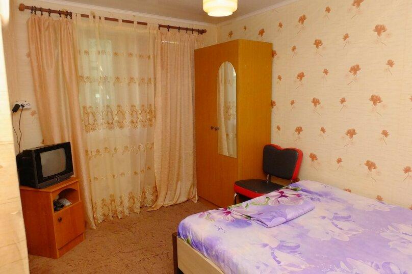 Стандартный 2-х местный номер с двуспальной кроватью, Партизанская улица, 50, Кабардинка - Фотография 4