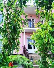 Гостиница , Пихтовый переулок на 12 номеров - Фотография 1