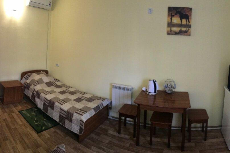 Трехместный номер с отдельными кроватями, улица Луначарского, 220, Геленджик - Фотография 6