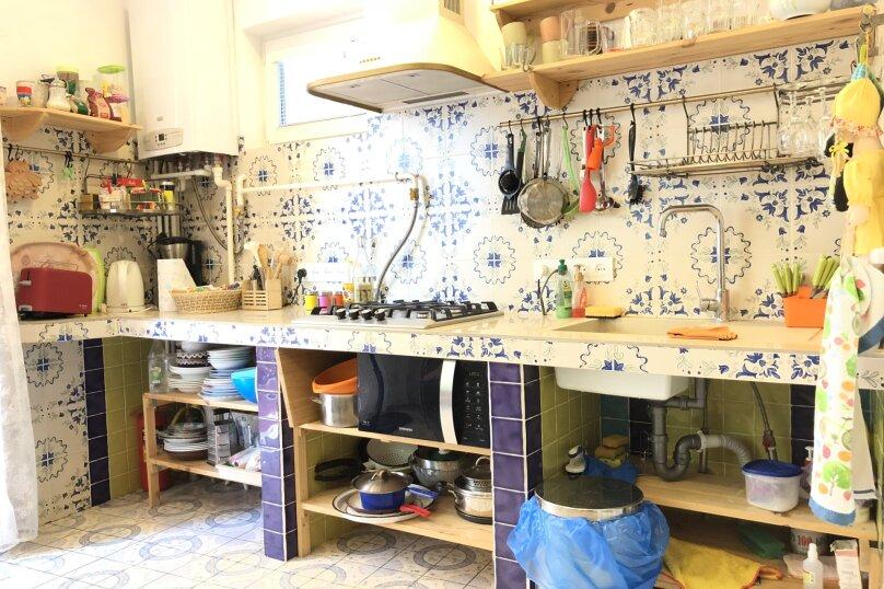 Уютный коттедж в Ялте, 90 кв.м. на 6 человек, 2 спальни, улица Соханя, 10, Ялта - Фотография 2