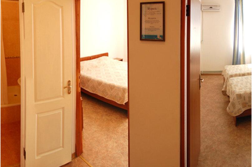 Двух комнатный (номер студия), переулок Комарова, 15, Береговое, Феодосия - Фотография 1