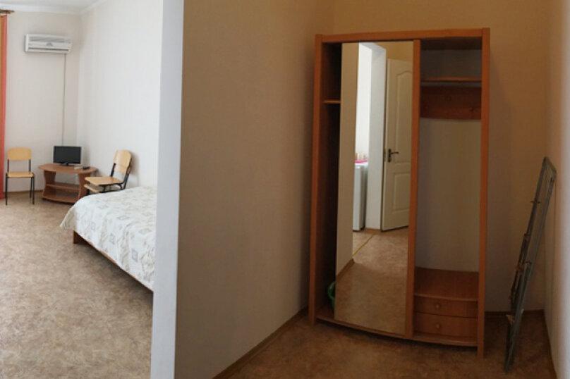 Трехместный, переулок Комарова, 15, Береговое, Феодосия - Фотография 3