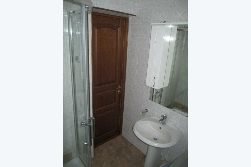 """Гостевой дом """"Светлана"""", Ключевой переулок, 14 на 4 комнаты - Фотография 3"""