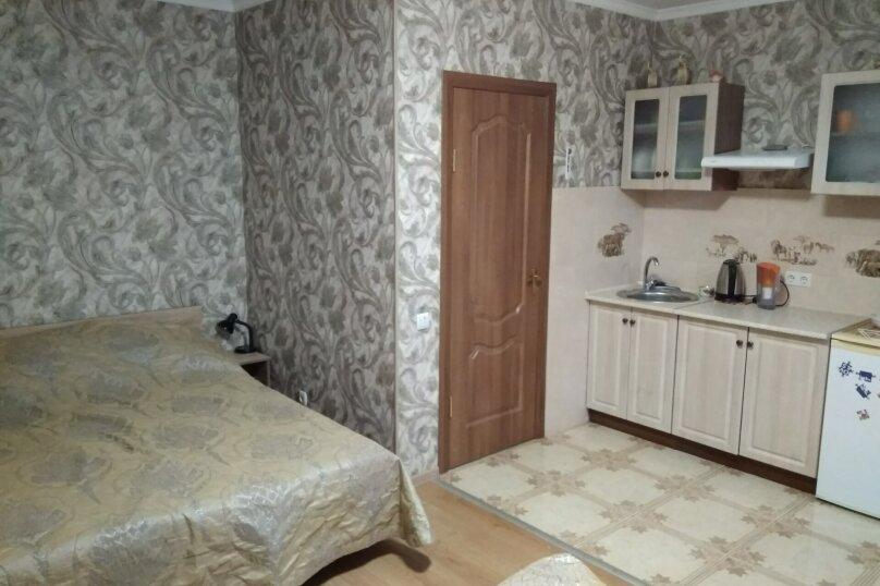 Гостевой дом в 10 минутах от моря с балконами, улица Ленина, 33/2 на 2 комнаты - Фотография 36