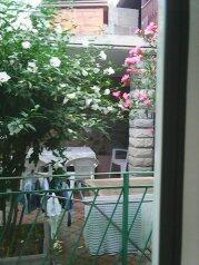 Дом 100м эконом класс,двор,стоянка., 100 кв.м. на 7 человек, 2 спальни, Таврическая улица, 36, Алушта - Фотография 3