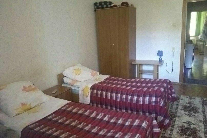 Отдельная комната, улица Победы, 141А, Лазаревское - Фотография 1