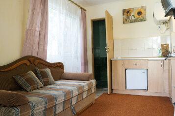 Дом, 22 кв.м. на 2 человека, 1 спальня, улица Дёмышева, Евпатория - Фотография 2