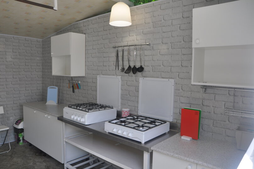 "Комнаты для отпуска ""Кипарис"", улица Мира, 26Б на 10 комнат - Фотография 18"
