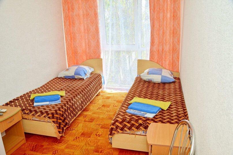 Однокомнатный двухместный номер «Комфорт», улица Новоселов, 3, Алушта - Фотография 1