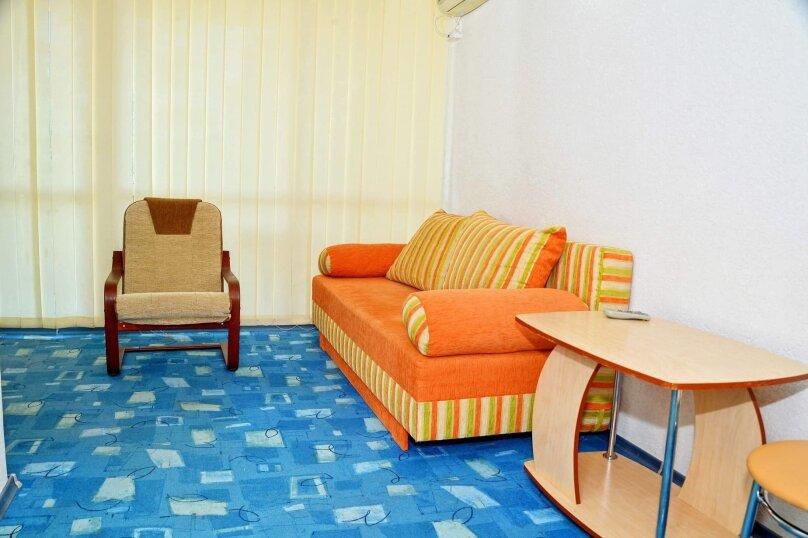 Двухкомнатный четырехместный номер «Люкс», улица Новоселов, 3, Алушта - Фотография 2