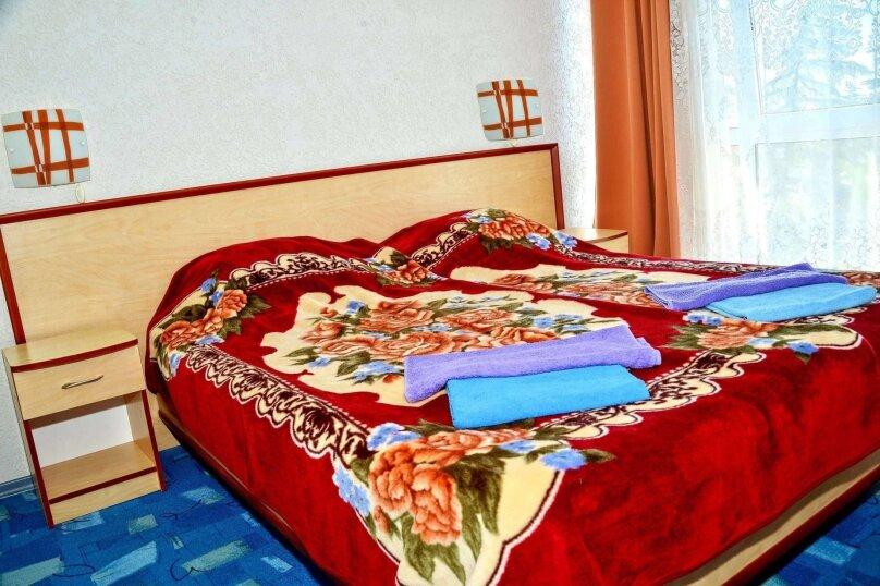 Двухкомнатный четырехместный номер «Люкс», улица Новоселов, 3, Алушта - Фотография 1