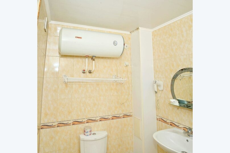 Двухкомнатный четырехместный номер «Люкс», улица Новоселов, 3, Алушта - Фотография 4