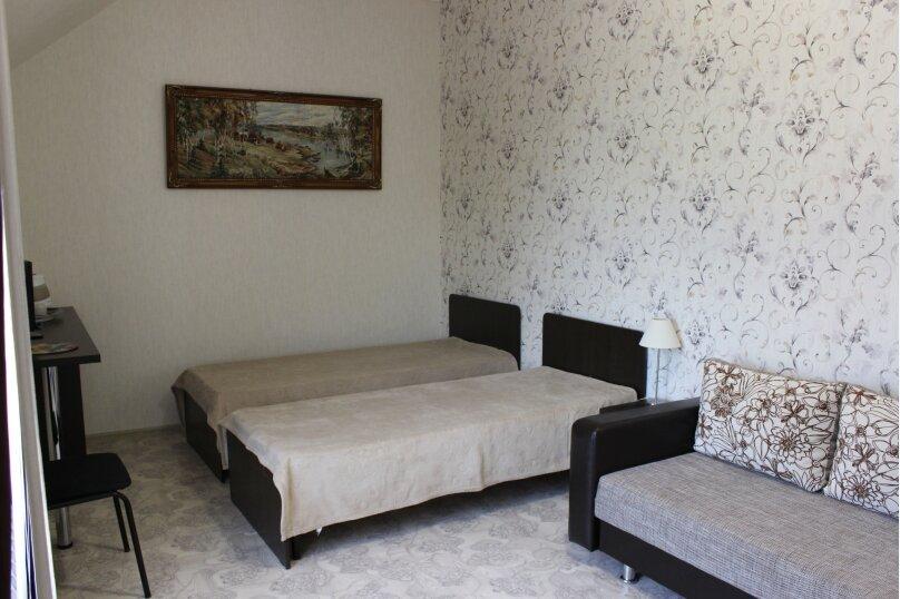 """Улучшенный """"Комфорт"""" с зелёной раковиной в душе , Нижнесадовая улица, 148, Ейск - Фотография 1"""