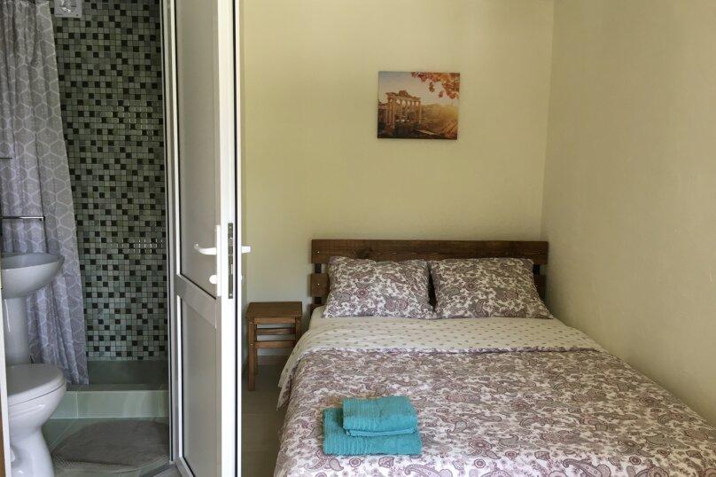 Двухместный номер с кроватью king-size и собственной ванной комнатой, Луначарского, 50, Геленджик - Фотография 1