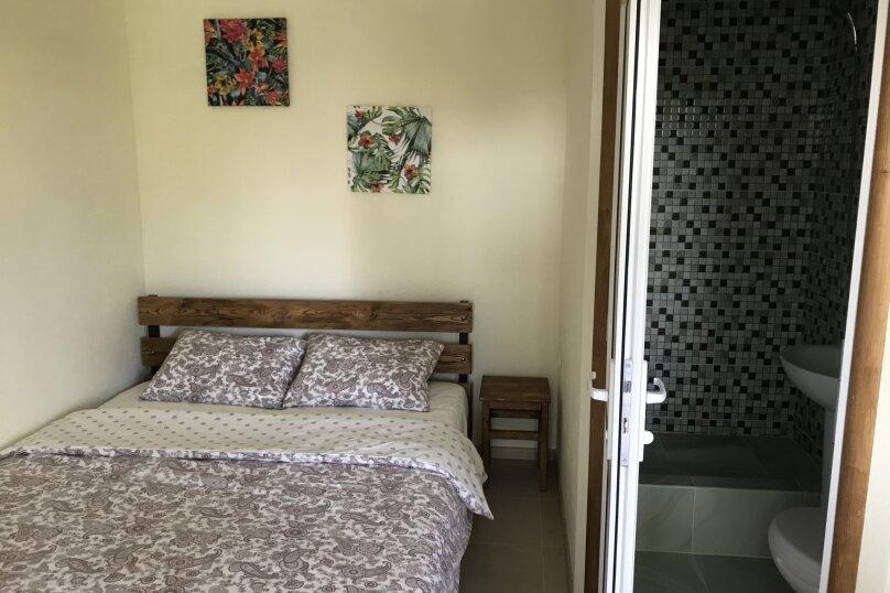Двухместный номер с кроватью king-size и собственной ванной комнатой, Луначарского, 50, Геленджик - Фотография 2