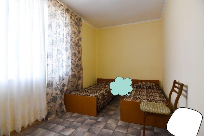 """Гостевой дом """"На Платановой 10"""", Платановая улица, 10 на 16 комнат - Фотография 35"""