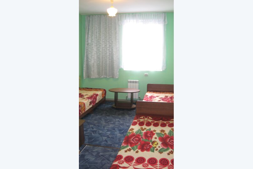 """Гостевой дом """"У Галины"""", Взлётная улица, 3 на 10 комнат - Фотография 3"""
