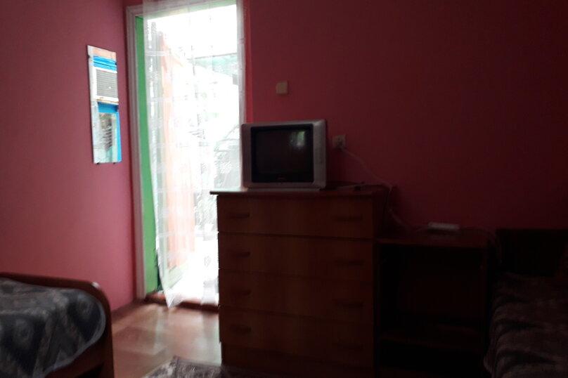 Комната в летнем домике на 3 места (три односпальные кровати), Краснодарская улица, 44, Ейск - Фотография 1