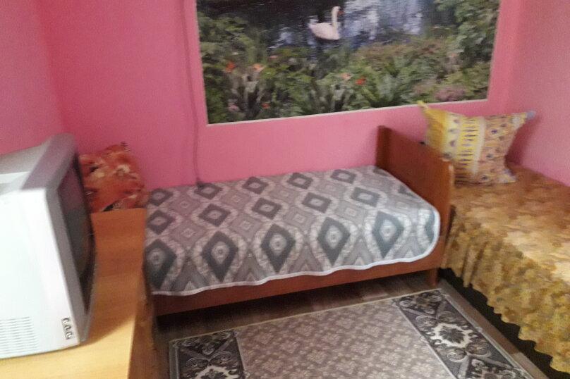 Комната в летнем домике на 3 места (три односпальные кровати), Краснодарская улица, 44, Ейск - Фотография 2