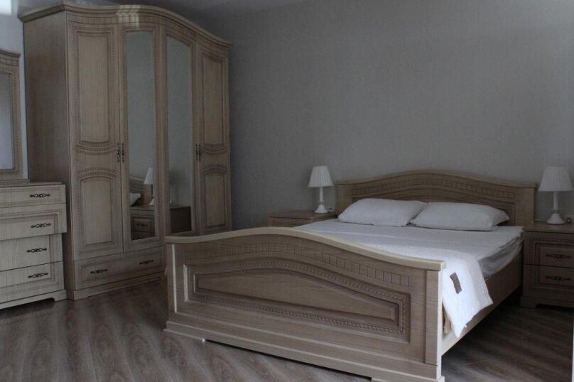 """Гостевой дом """"Tikhiy Ugolok"""", улица Мориса Тореза, 3 на 4 комнаты - Фотография 46"""