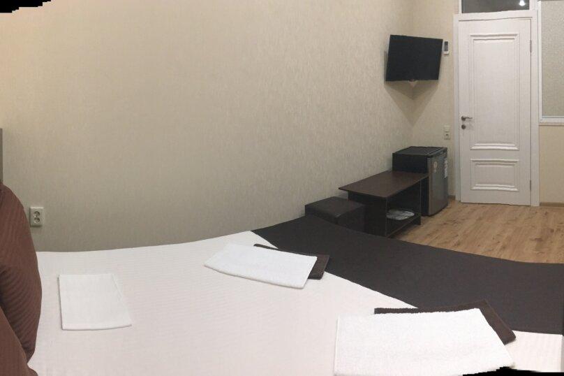 Стандартный 2-х местный номер с 2-х спальной кроватью, улица Молокова, 10, Адлер - Фотография 2